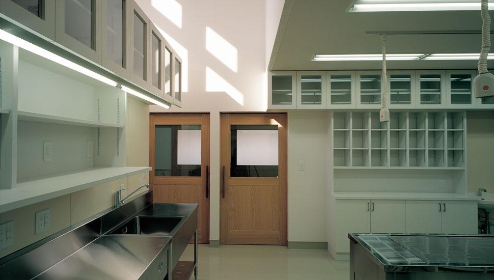 処置室から診察室へ