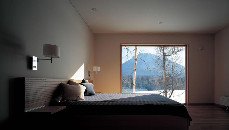 寝室から望む羊蹄山