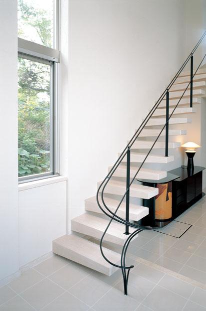 1F 階段