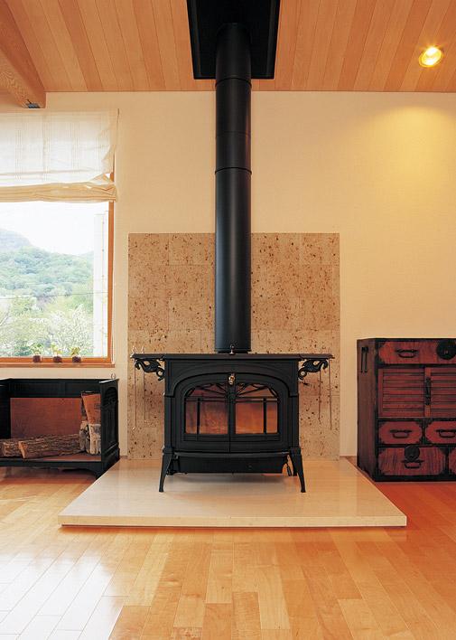 リビングルームにある暖炉