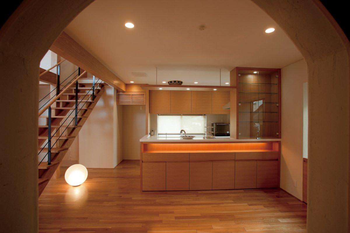 水屋からのキッチン